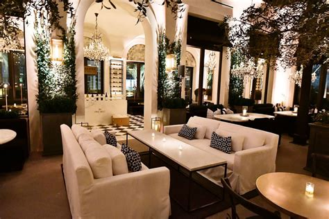 RETNA Takes Over the New Restoration Hardware in Palm Beach - Galerie